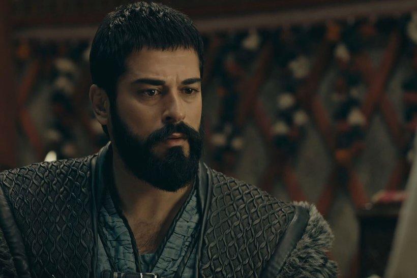 Malhun Hatun, Osman Bey'e evlat müjdesi verdi.