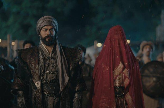 Osman Bey ve Malhun Hatun evlendi, oyunları nefes kesti!